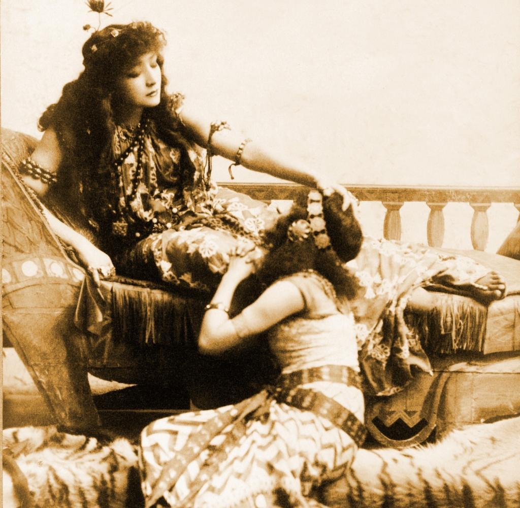 Sarah Bernhardt as Cleopatra (1891)